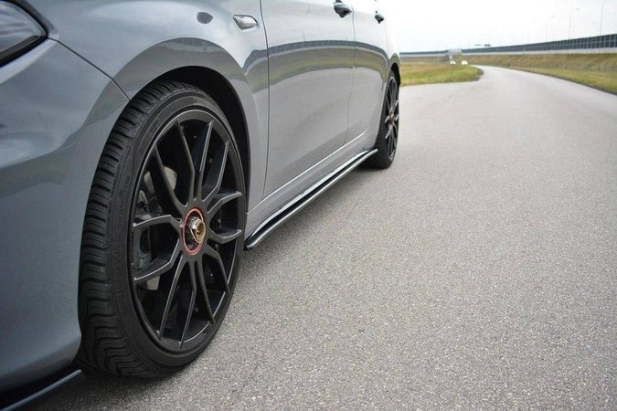 Dokładki progów Maxton Fiat Tipo S-Design (carbon look)